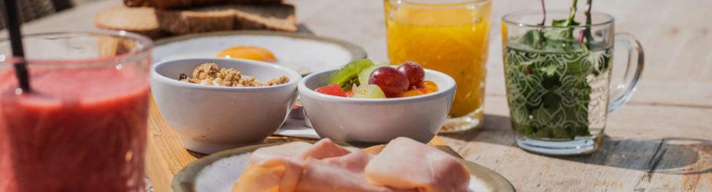 Feestdagen op het strand van Noordwijk: Paasbrunch en Paasontbijt feestdagen strandpaviljoen De Zeemeeuw