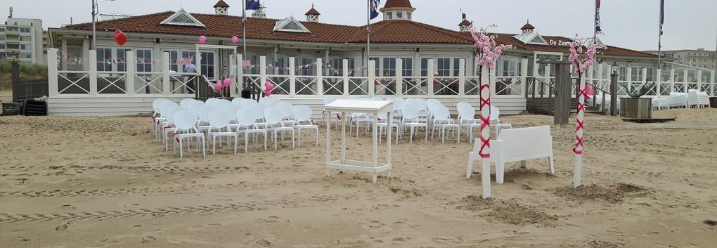 Romantisch trouwen op het strand van Noordwijk Trouwen op strand trouwlocatie De Zeemeeuw