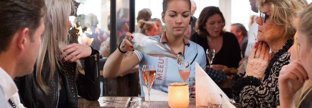 Feestdagen op het strand van Noordwijk: Paasbrunch en Live Cooking buffet restaurant 2020 feestdagen strandpaviljoen De Zeemeeuw